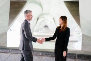 Det perfekte håndtryk til jobsamtalen